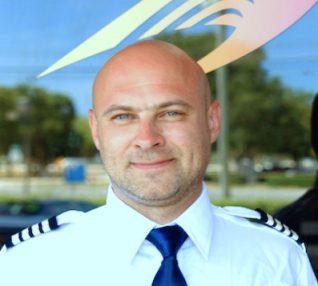 airplane-pilot-today-tease-160308_c87be0c62b0a12ecca3ae38e1e37f314