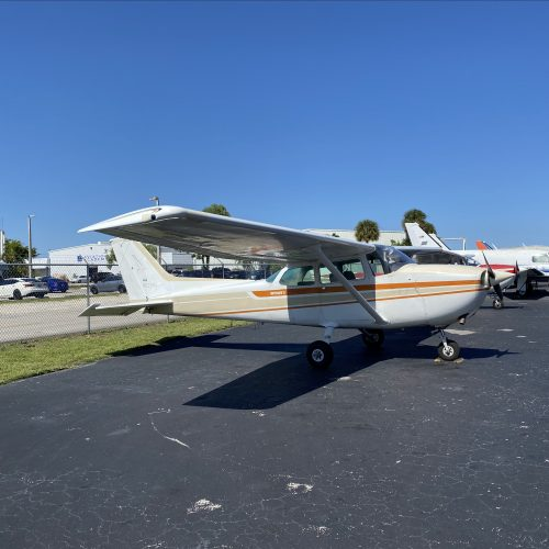 Cessna 172N  | N5208J